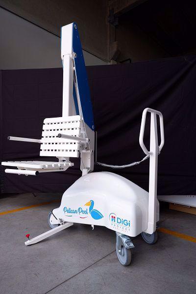0028439_pelican-pool-lift
